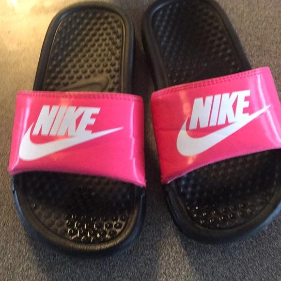 detailed look ad591 6d26d Girls Nike flip flops size 1
